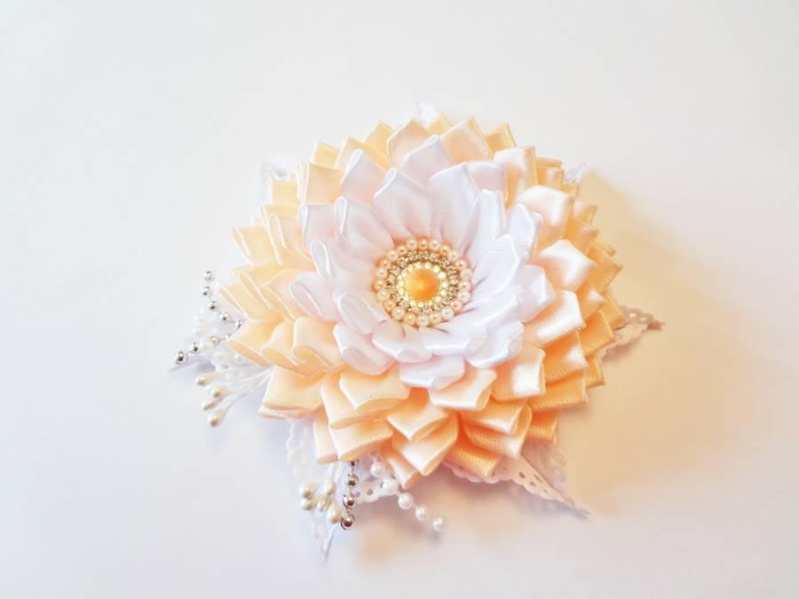 Изготовление заколки с цветком, выполненным в технике канзаши шаг 14