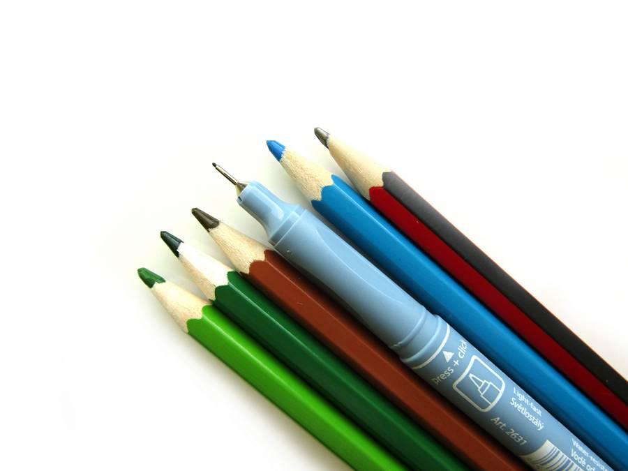 Карандаши для рисования подснежников