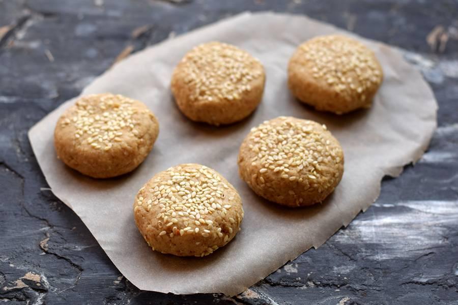 Приготовление овсяного печенья с кунжутом шаг 6