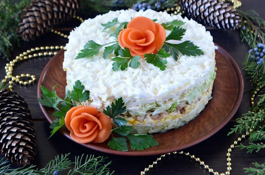 Слоеный салат с пекинской капустой