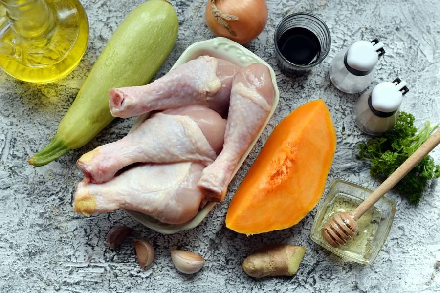 Ингредиенты для приготовления куриной голени с тыквой и кабачком
