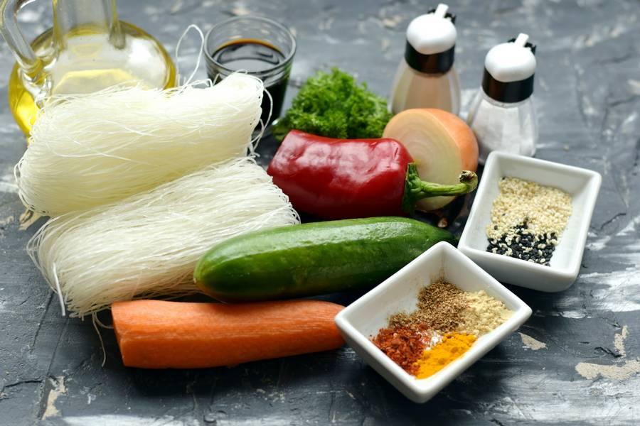 Ингредиенты фунчозы с овощами
