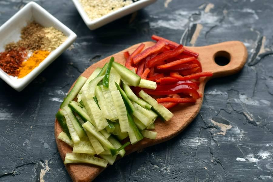 Приготовление фунчозы с овощами шаг 4