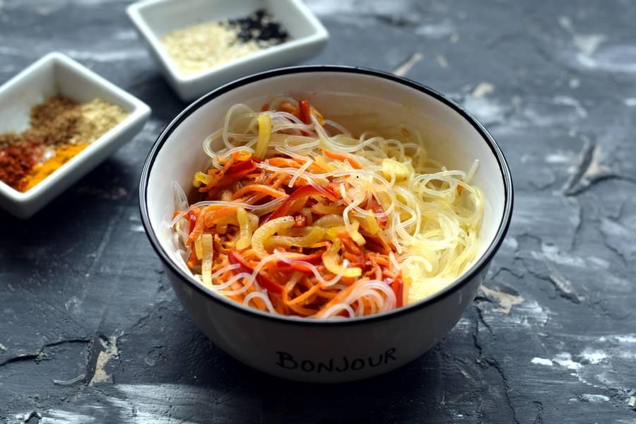 Приготовление фунчозы с овощами шаг 7