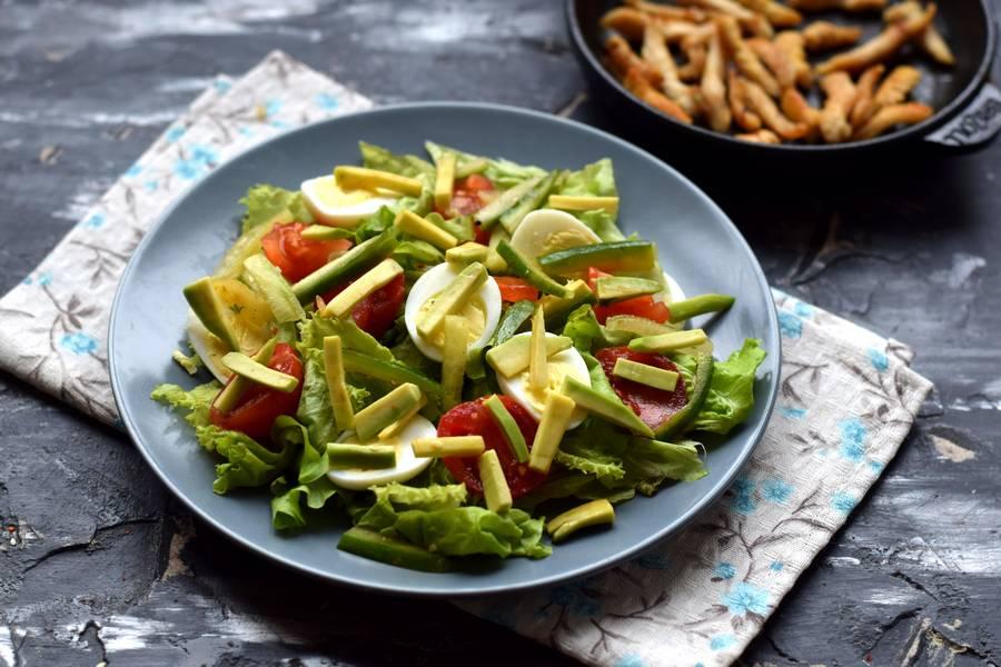 Приготовление салата с авокадо и курицей шаг 6
