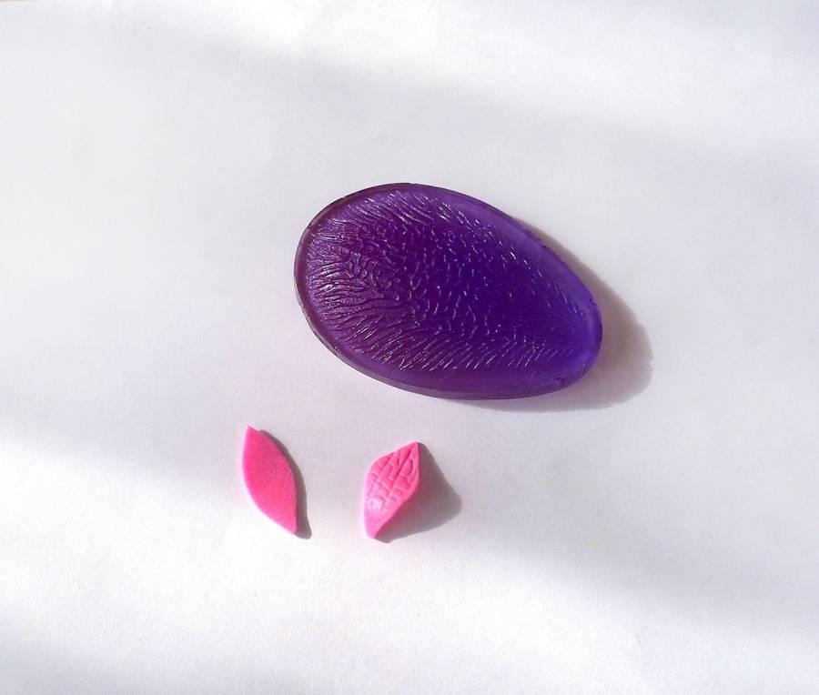 Изготовление резинки для волос с яркими цветами из фоамирана шаг 1