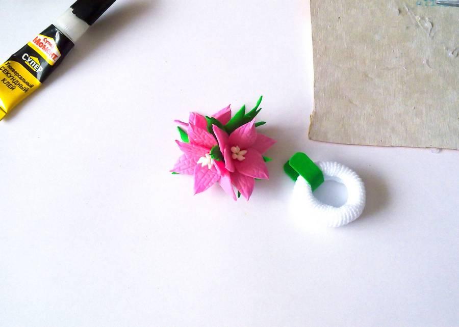 Изготовление резинки для волос с яркими цветами из фоамирана шаг 10
