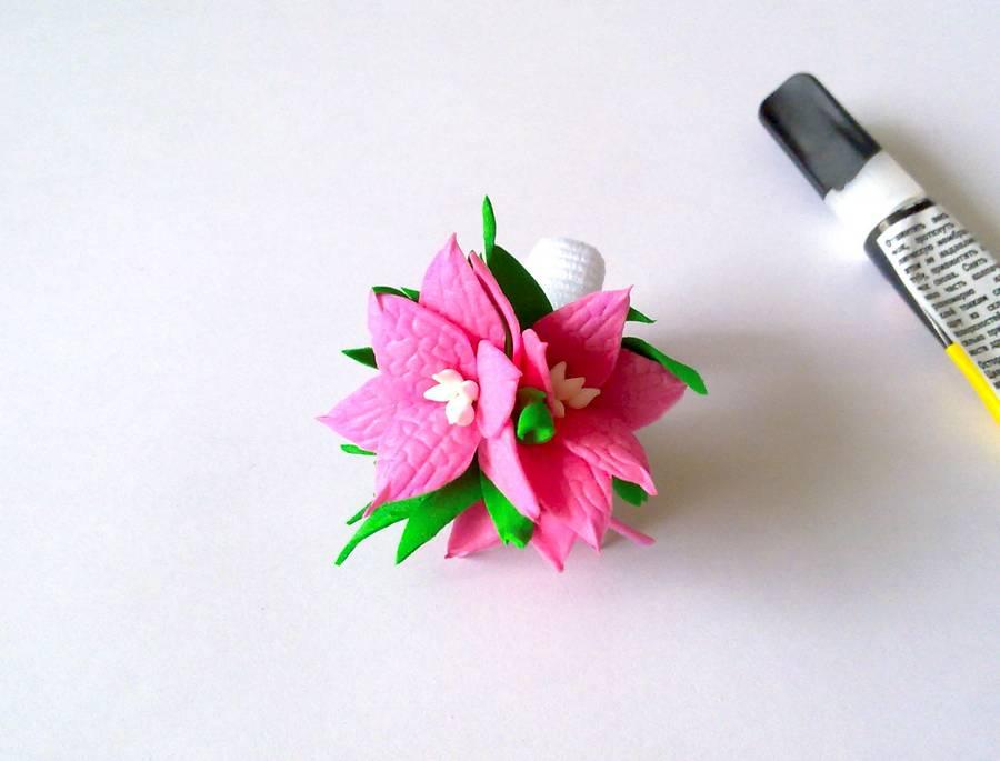 Изготовление резинки для волос с яркими цветами из фоамирана шаг 12