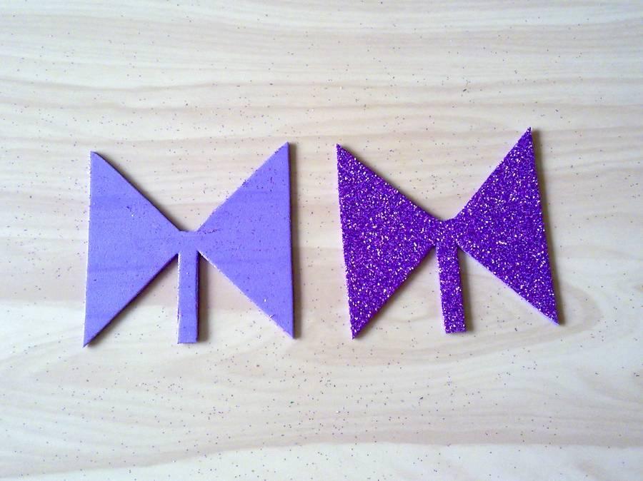 Изготовление резинок для волос с бантиками из глиттерного фоамирана шаг 5