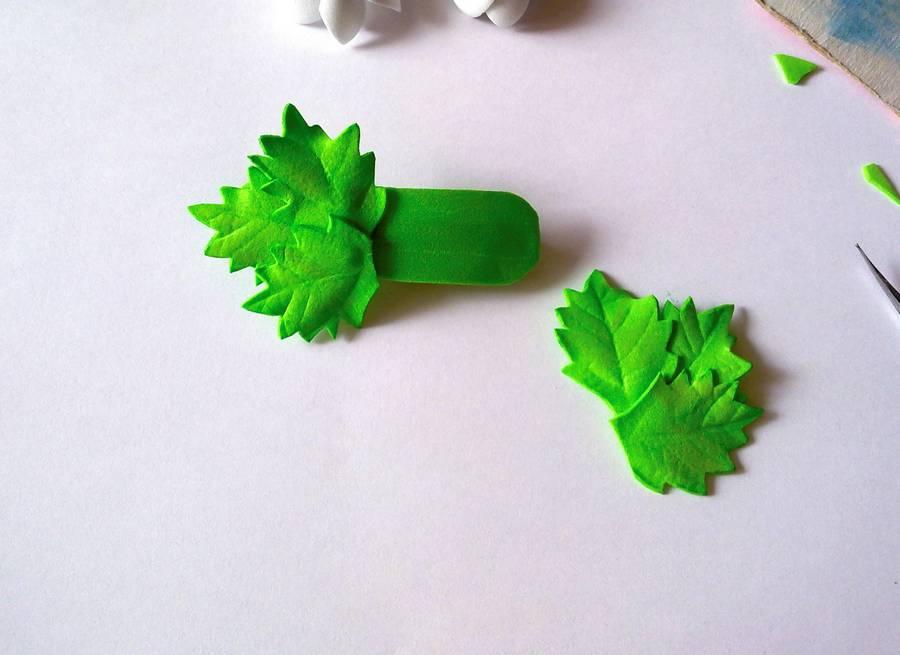 Изготовление заколки-автомата с цветами из фоамирана шаг 12