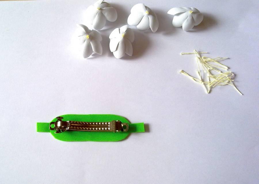 Изготовление заколки-автомата с цветами из фоамирана шаг 6