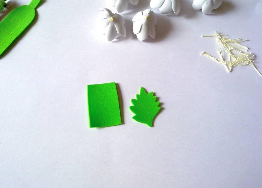 Изготовление заколки-автомата с цветами из фоамирана шаг 7