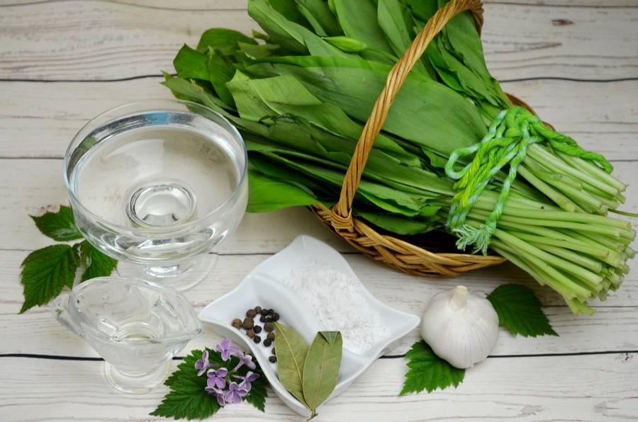 Ингредиенты для маринования черемши