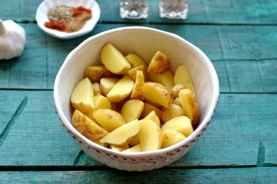 Приготовление картофеля по-деревенски с индейкой шаг 4