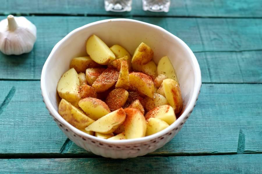Приготовление картофеля по-деревенски с индейкой шаг 5