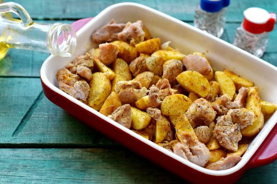 Приготовление картофеля по-деревенски с индейкой шаг 7