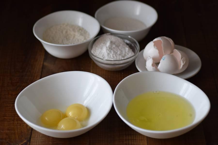 Приготовление бисквитного печенья савоярди шаг 1