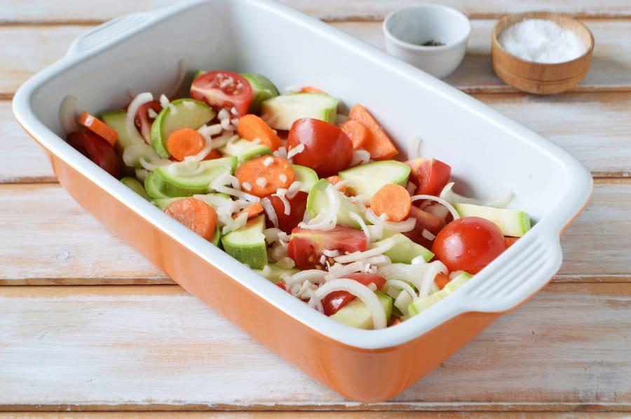 Приготовление курицы с овощами в духовке шаг 5