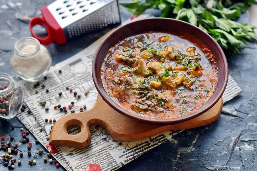 Томатный суп с крапивой