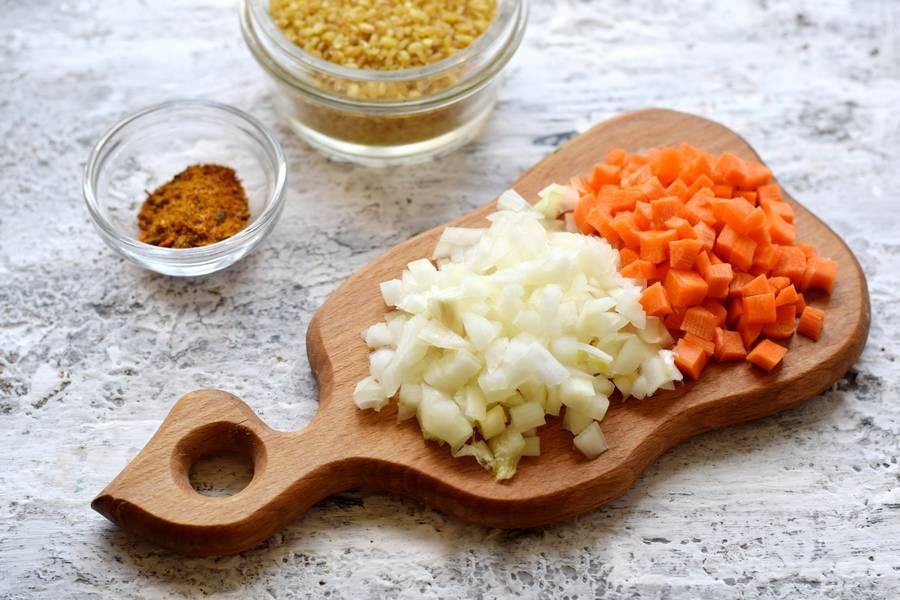 Приготовление булгура с курицей и овощами шаг 2