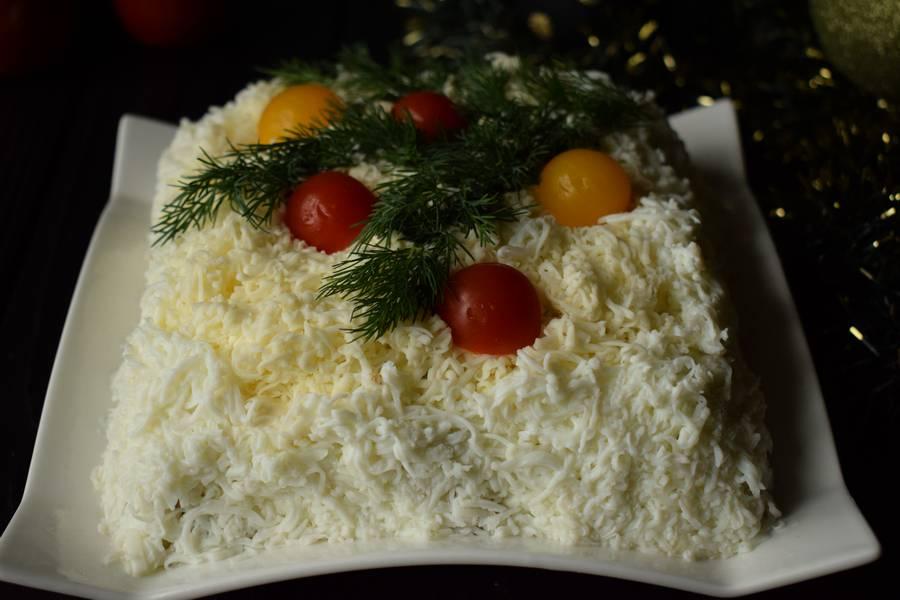 Новогодний мясной салат