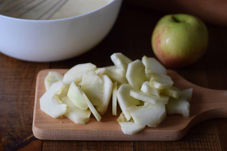 Приготовление цветаевского яблочного пирога шаг 10