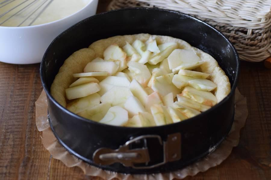 Приготовление цветаевского яблочного пирога шаг 11
