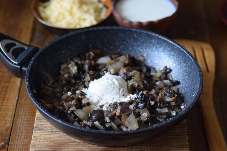 Приготовление решти из картофеля с грибным соусом шаг 4