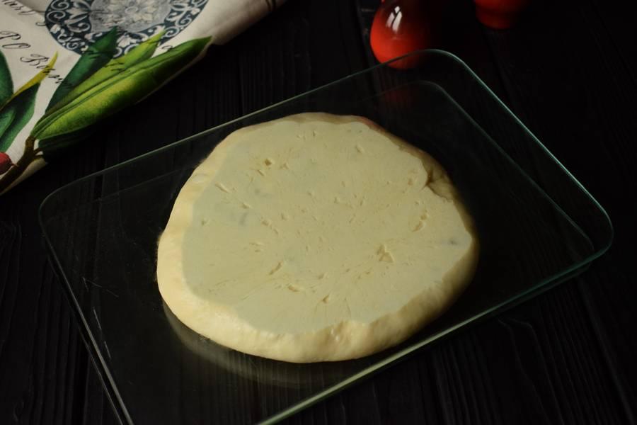Приготовление жареного пирога с пореем шаг 17