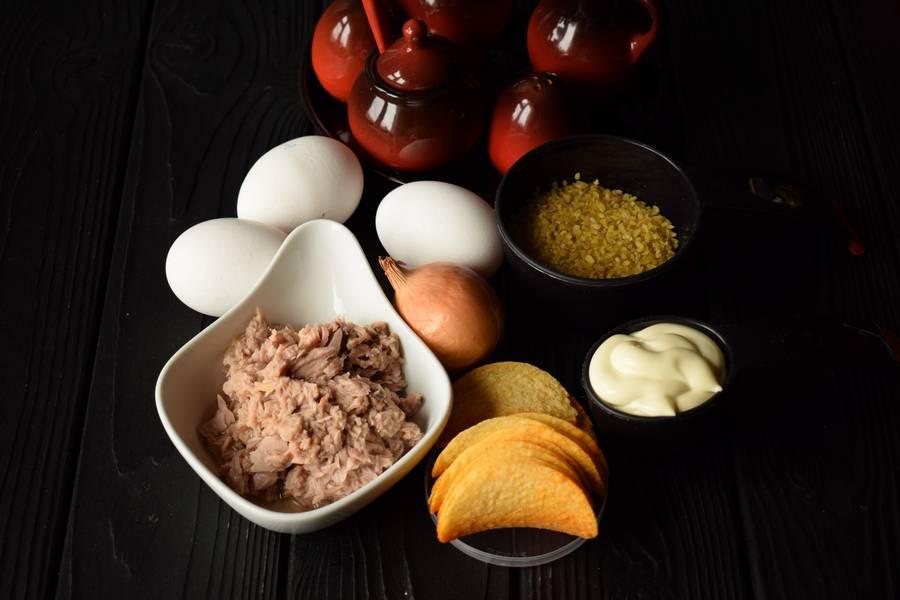 Ингредиенты салата с тунцом и булгуром