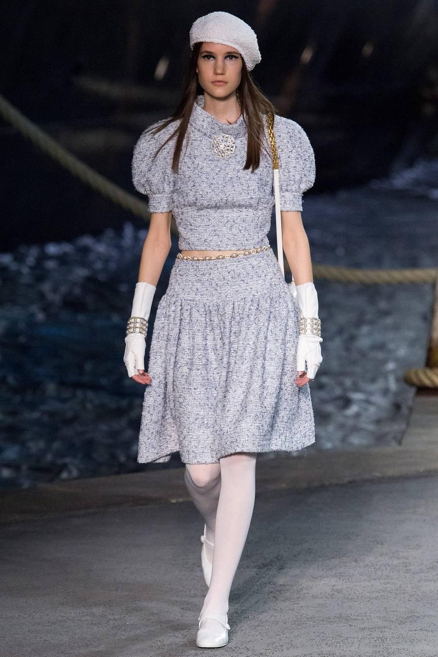 Круизная коллекция Chanel, весна-лето 2019 выход 12
