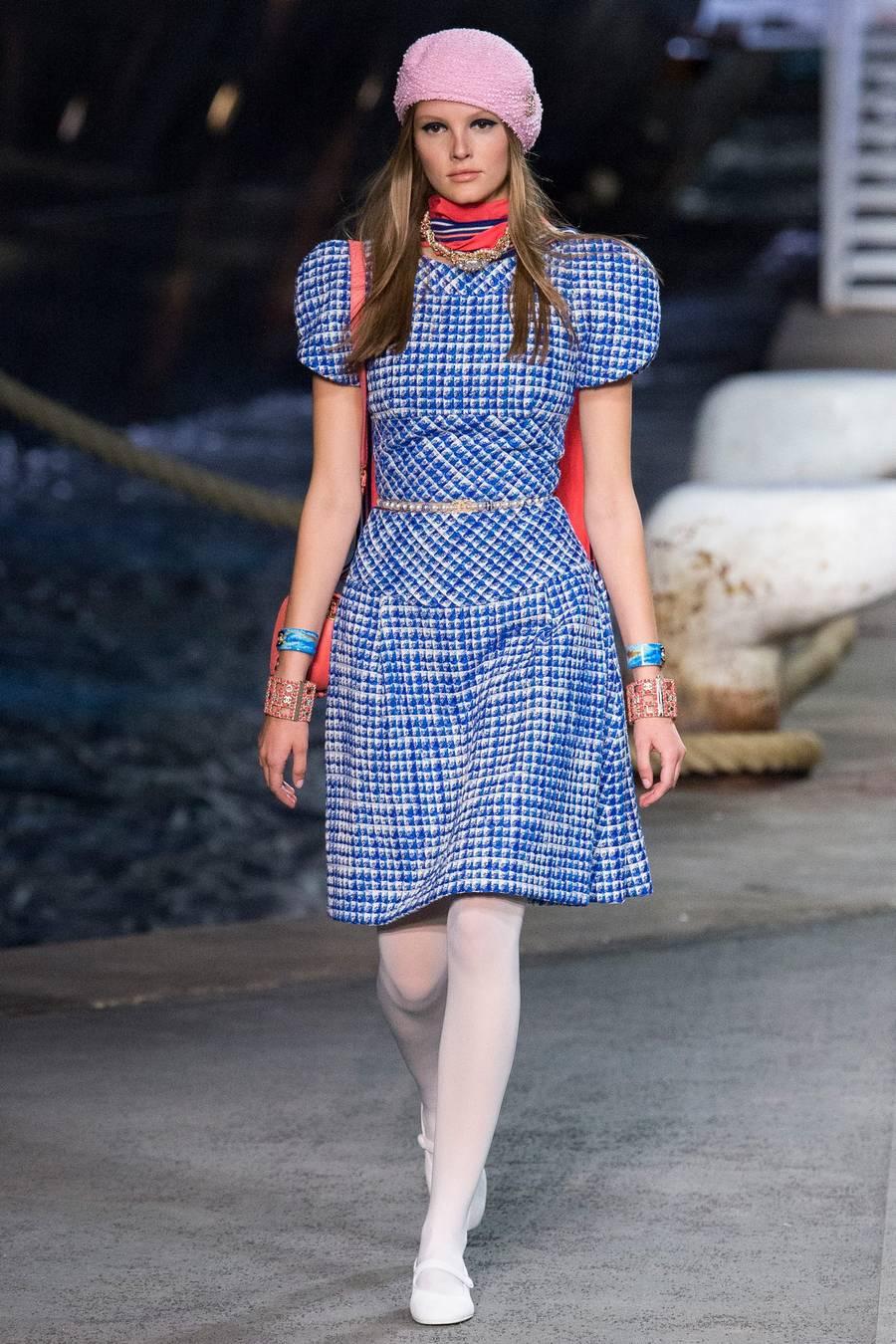 Круизная коллекция Chanel, весна-лето 2019 выход 13