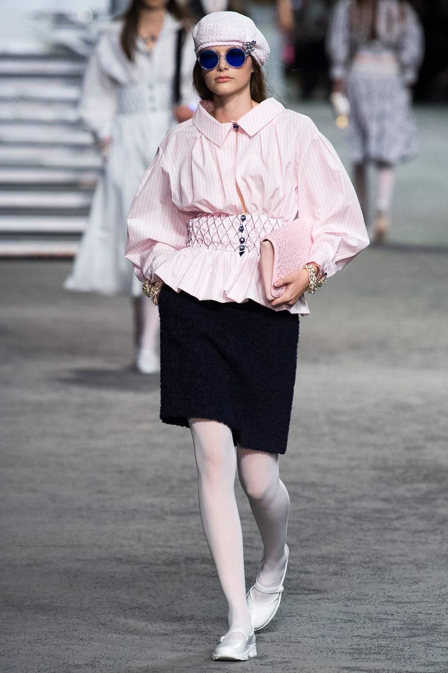 Круизная коллекция Chanel, весна-лето 2019 выход 20