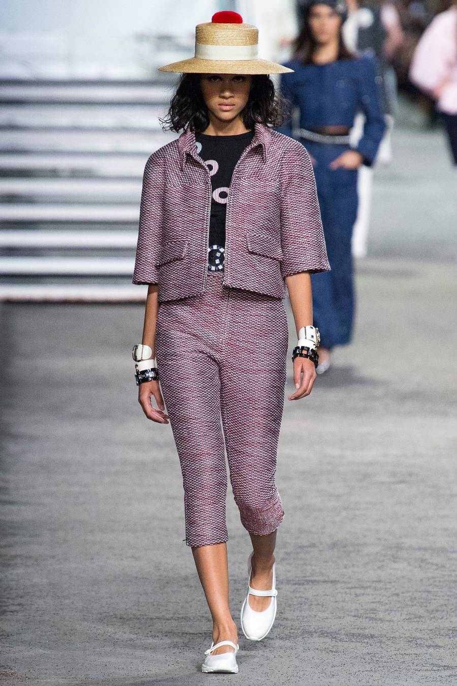 Круизная коллекция Chanel, весна-лето 2019 выход 24