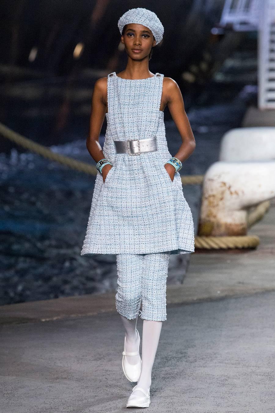 Круизная коллекция Chanel, весна-лето 2019 выход 29