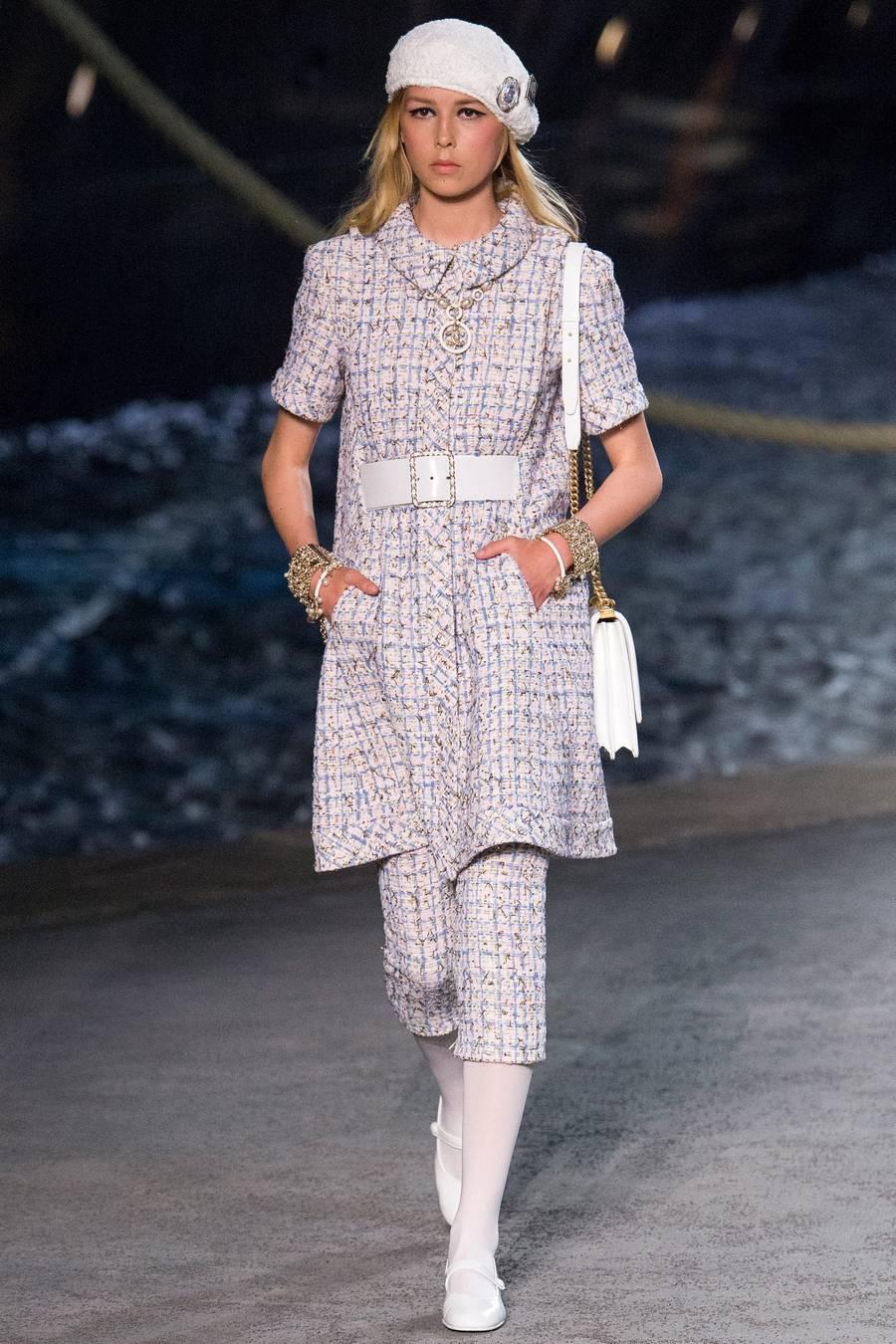 Круизная коллекция Chanel, весна-лето 2019 выход 30