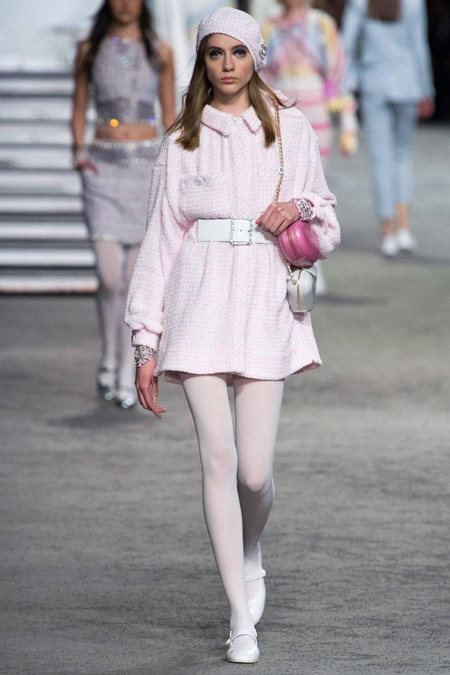 Круизная коллекция Chanel, весна-лето 2019 выход 31
