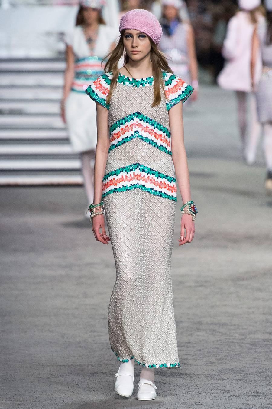 Круизная коллекция Chanel, весна-лето 2019 выход 35