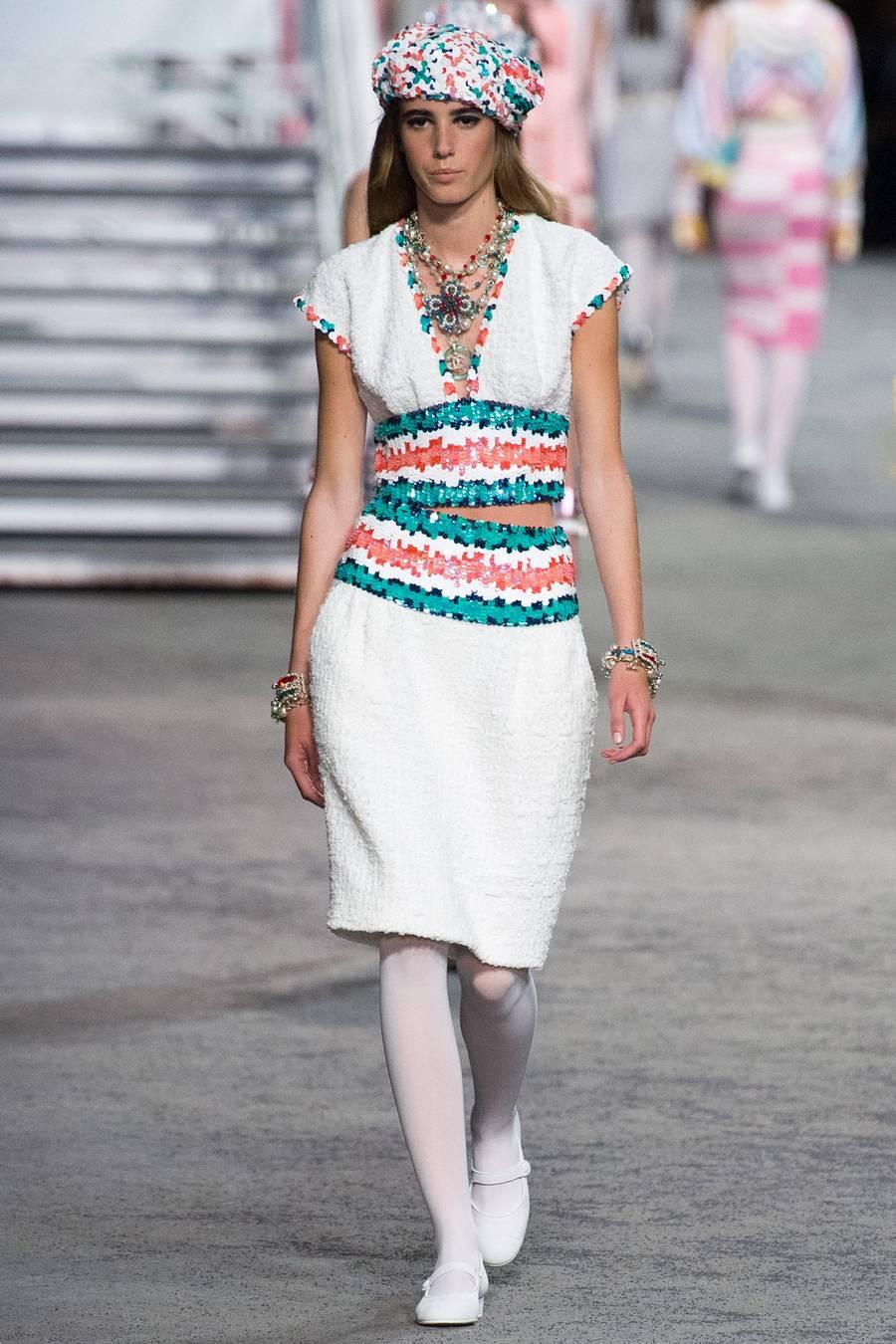 Круизная коллекция Chanel, весна-лето 2019 выход 36