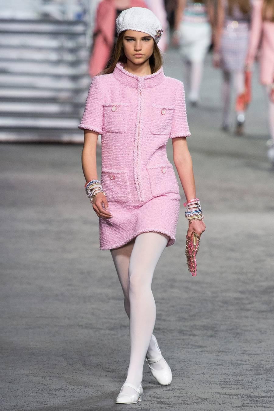 Круизная коллекция Chanel, весна-лето 2019 выход 42
