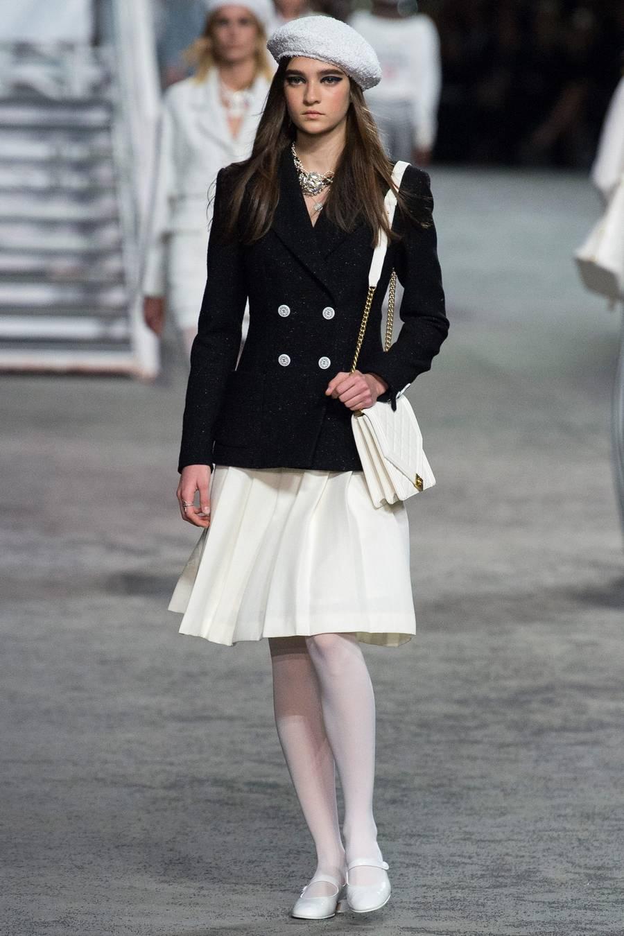 Круизная коллекция Chanel, весна-лето 2019 выход 5