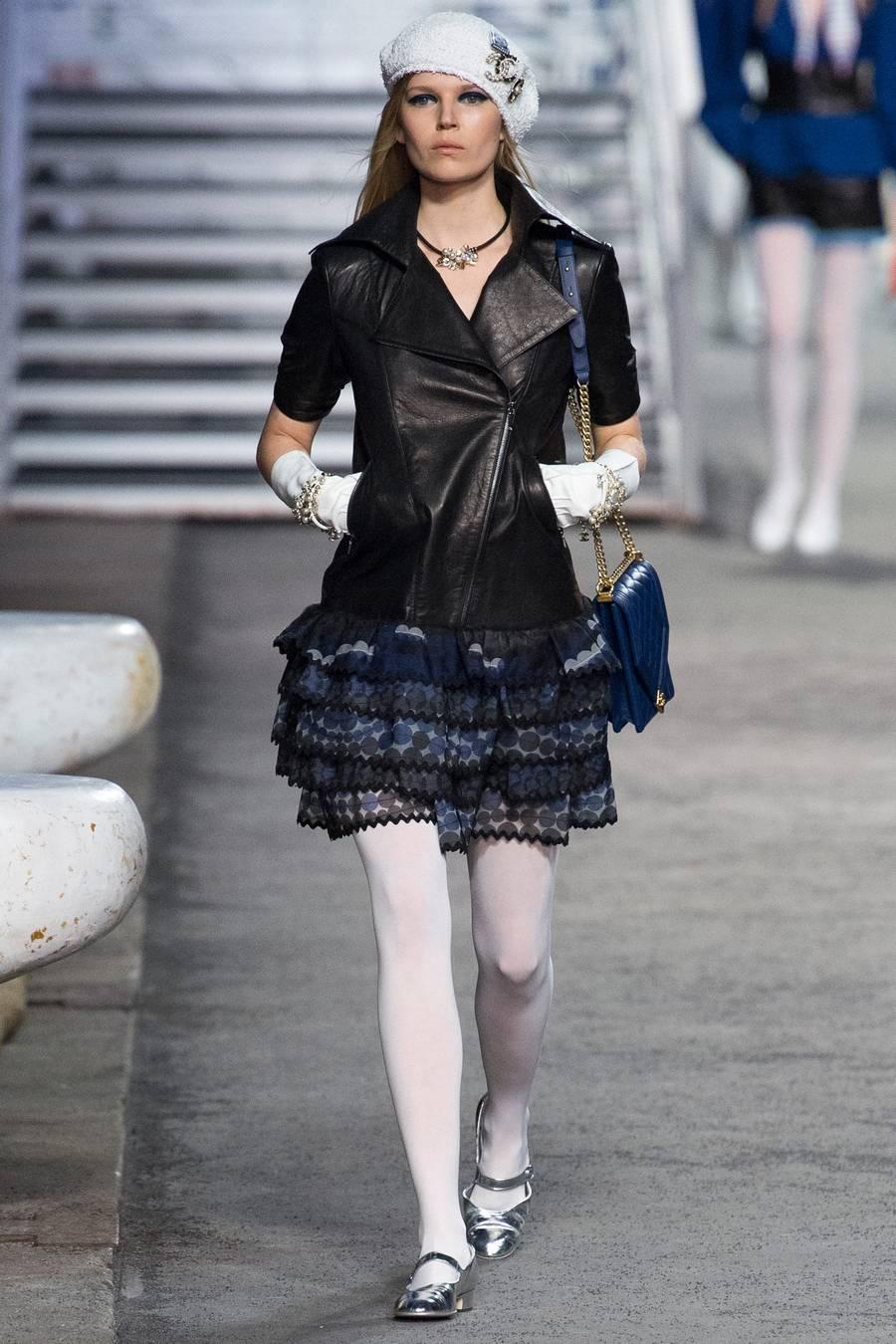 Круизная коллекция Chanel, весна-лето 2019 выход 57