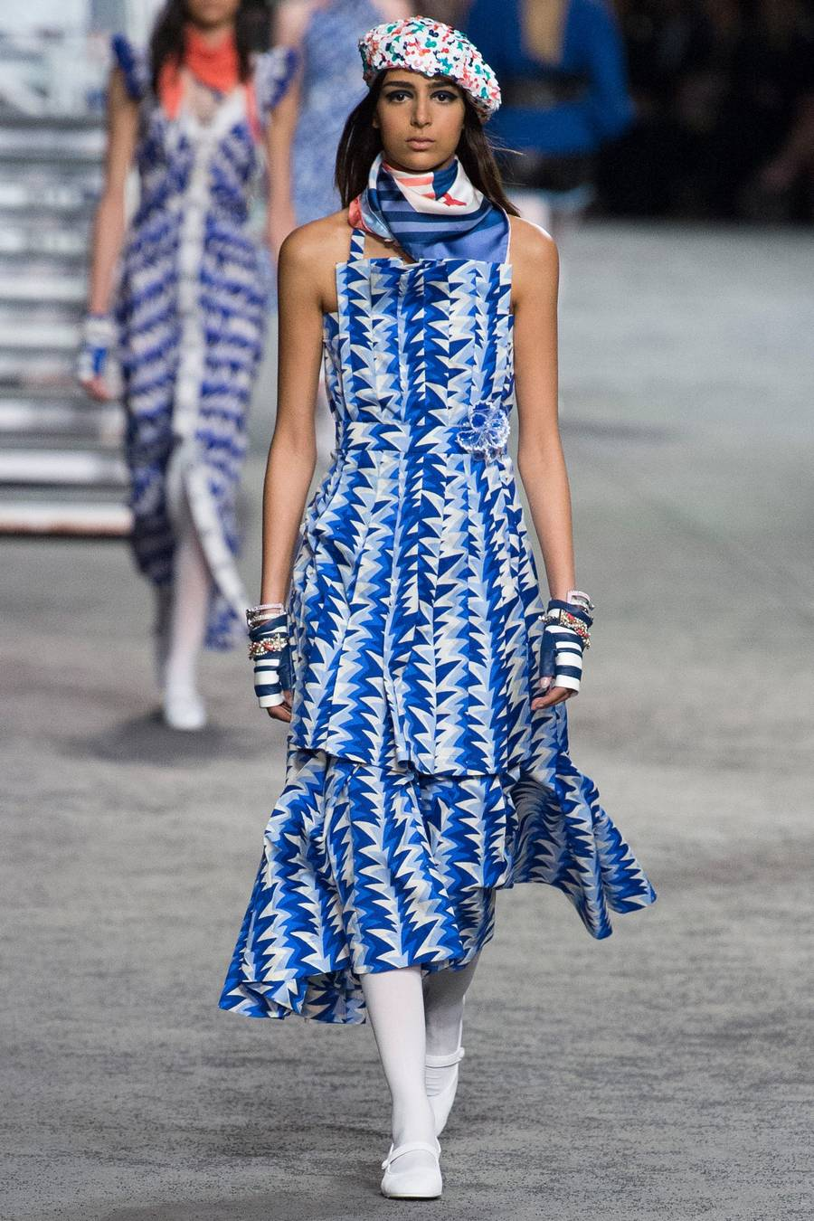 Круизная коллекция Chanel, весна-лето 2019 выход 62
