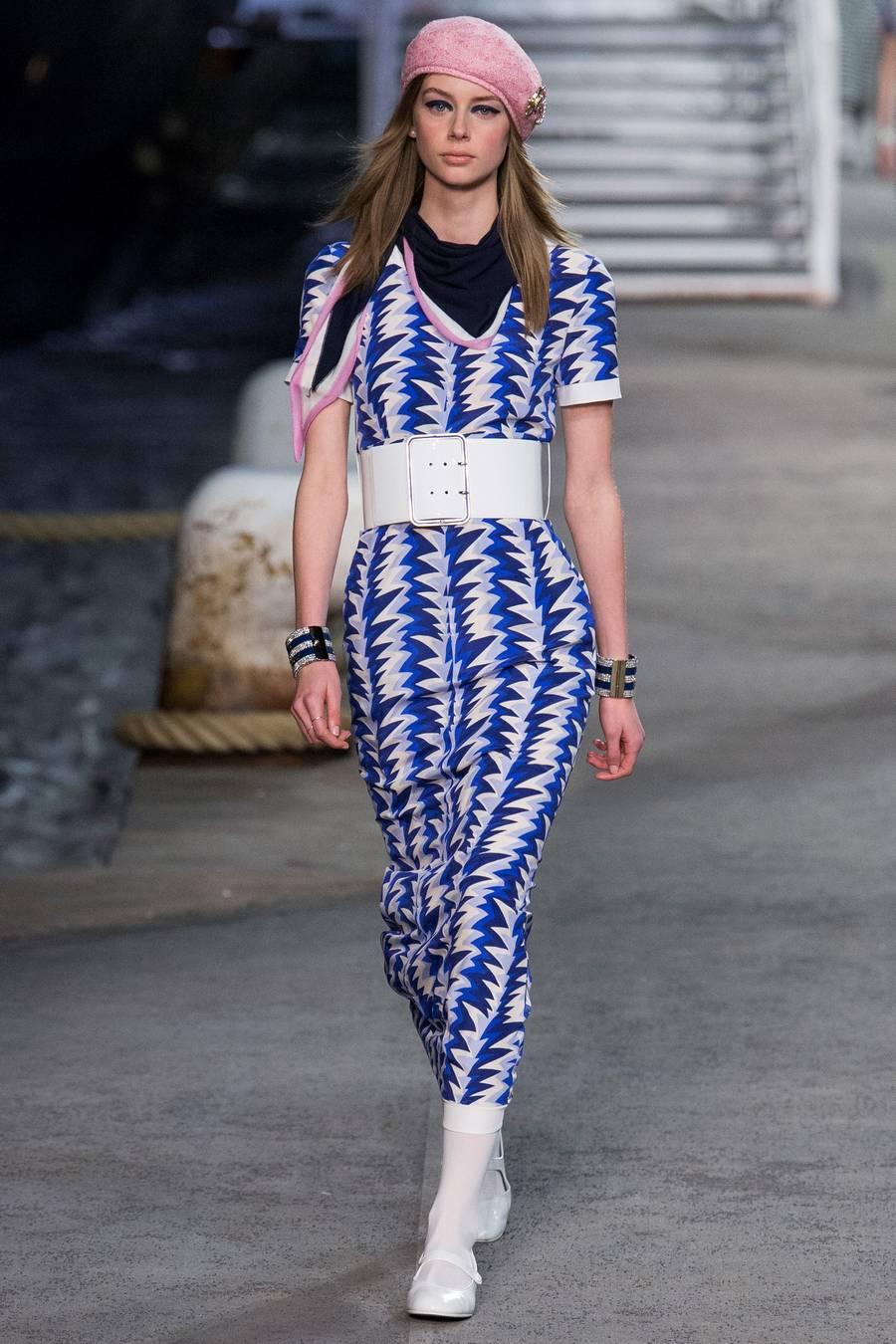 Круизная коллекция Chanel, весна-лето 2019 выход 66