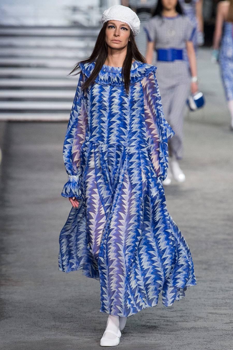Круизная коллекция Chanel, весна-лето 2019 выход 67
