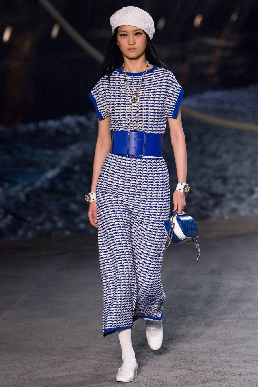 Круизная коллекция Chanel, весна-лето 2019 выход 68
