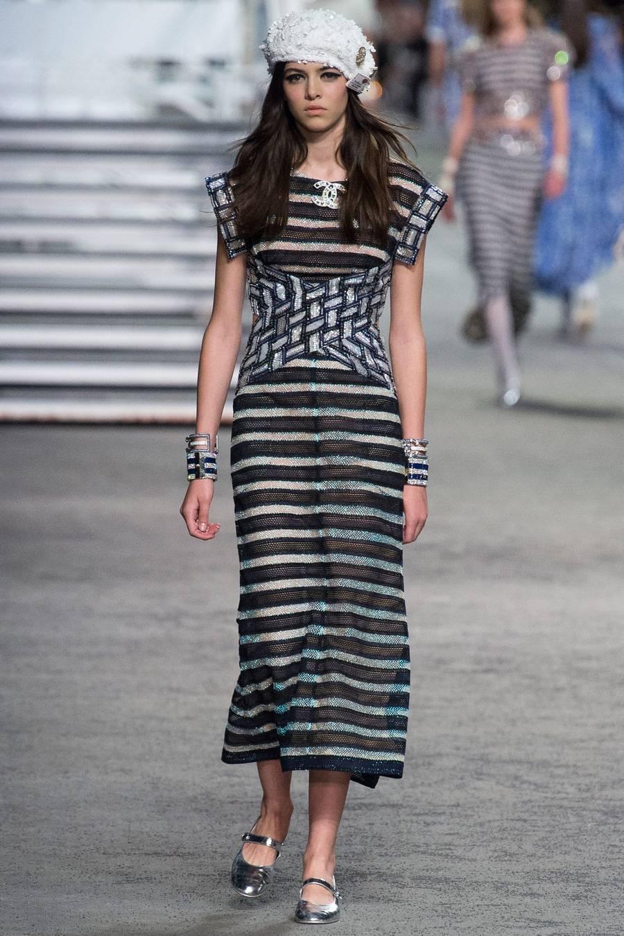 Круизная коллекция Chanel, весна-лето 2019 выход 71