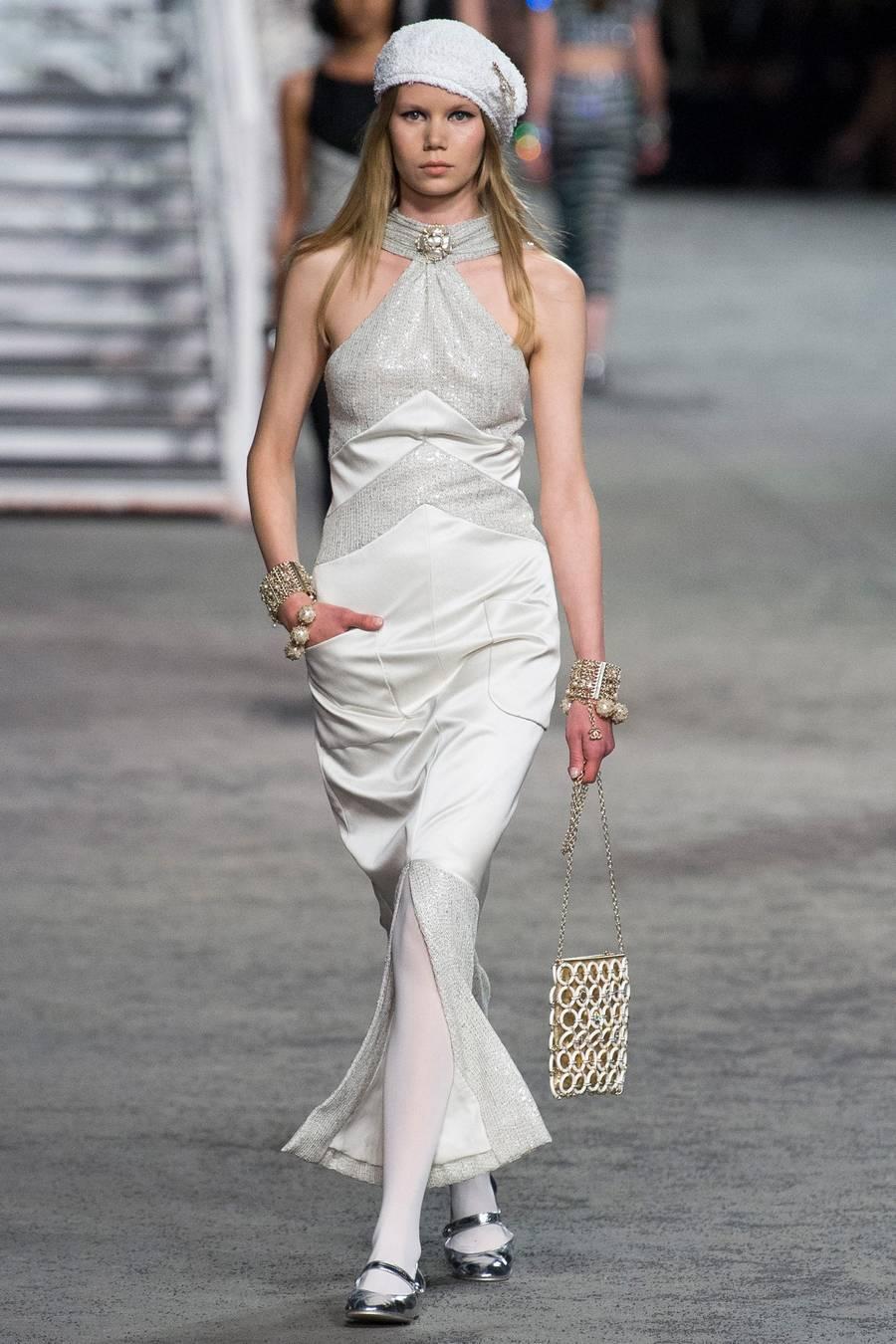 Круизная коллекция Chanel, весна-лето 2019 выход 75