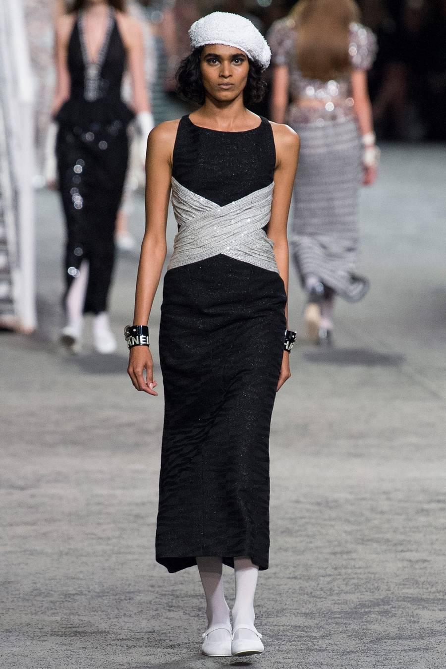 Круизная коллекция Chanel, весна-лето 2019 выход 76