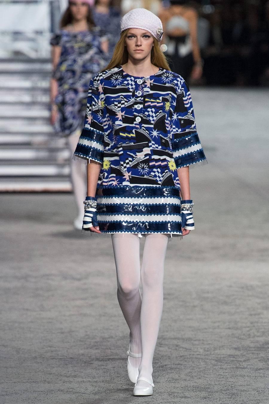 Круизная коллекция Chanel, весна-лето 2019 выход 81